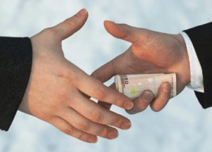 صاحبان پول کثیف در دنیا