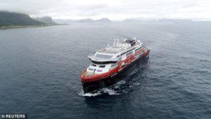 لذت سفر دریایی با نخستین کشتی کروز هیبریدی جهان