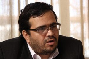 دولت تا سرمایه مردم در بورس آب نرفته، فکر عاجلی کند