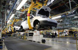 رشد ۱۴ درصدی تولید ایران خودرو در سال ۹۶
